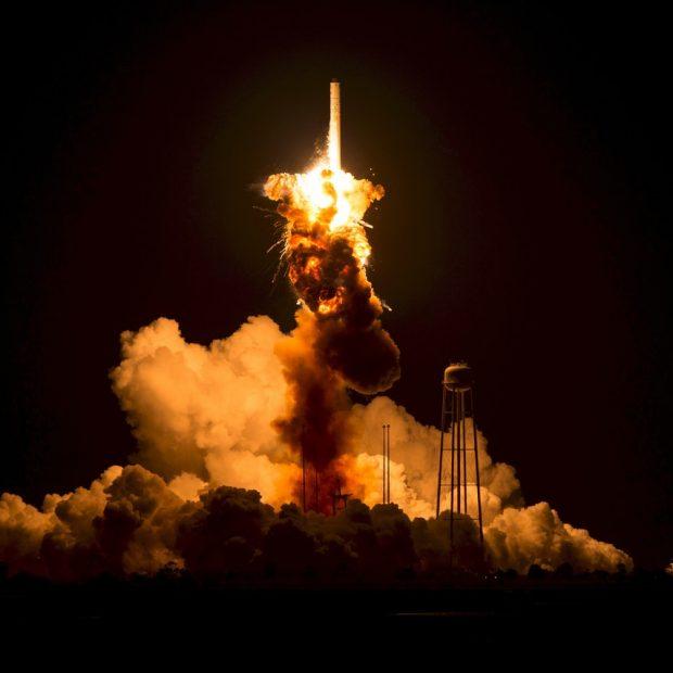 china rocket fall in earth