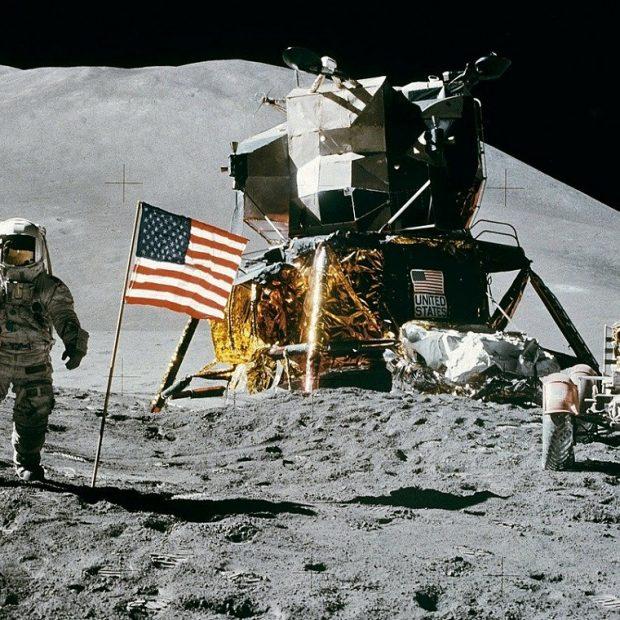 Apollo 11 मिशन के 52 साल: नील आर्मस्ट्रांग, बज़ एल्ड्रिन ने बताया चाँद के बारे में किया खुलासा