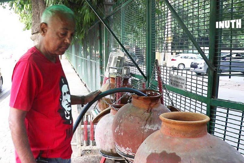 """दिल्ली के 'मटका मैन' के लिए आनंद महिंद्रा का ट्वीट, बताया """"सुपरहीरो"""""""